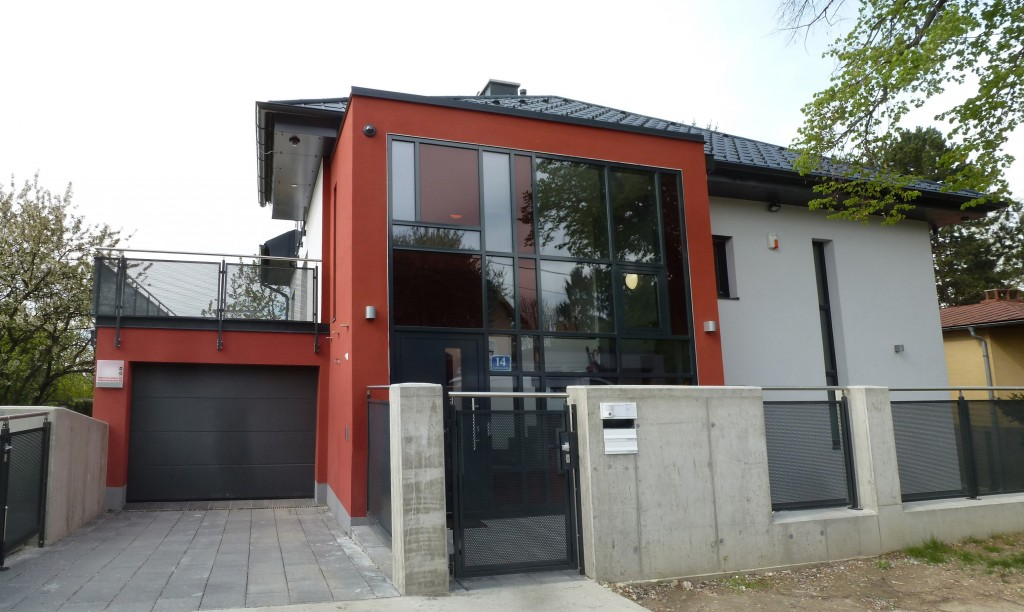 Einfamilienhaus Wien 22: Eingang nach Mondrian